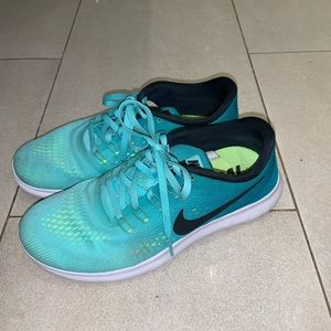 Blue/Green Nike Free Run
